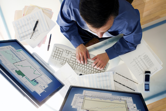 Businessman and Computer at desk. [url=http://www.istockphoto.com/file_search.php?action=file&lightboxID=5793267][IMG]http://www.stevecole.com/_ISP_Business.JPG[/IMG][/url]